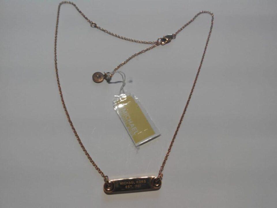 Collar de Michael Kors elaborado en color oro champán